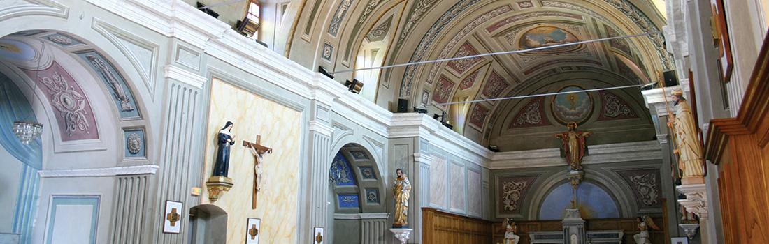 Intérieur de l'église d'Afa