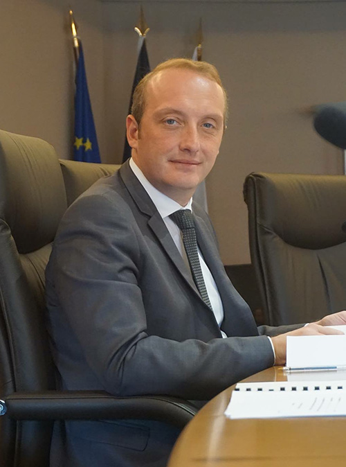 Laurent Marcangeli en salle du conseil