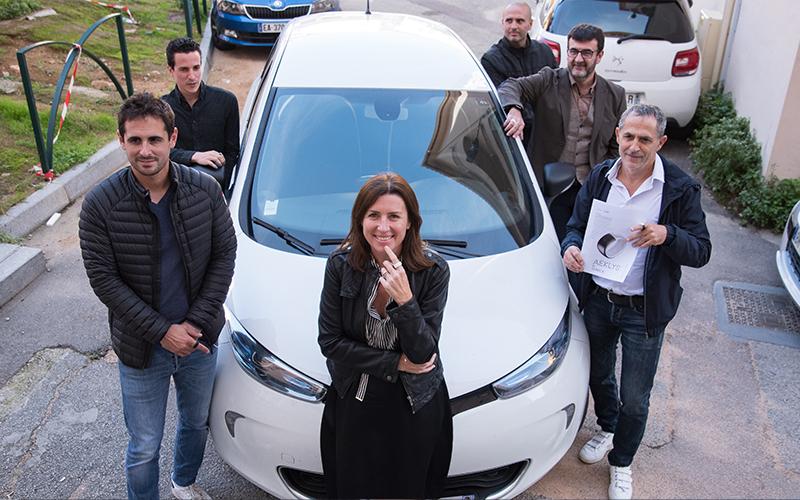 Marie-Antoinette Santoni-Brunelli et l'équipe de la DSIN de la CAPA